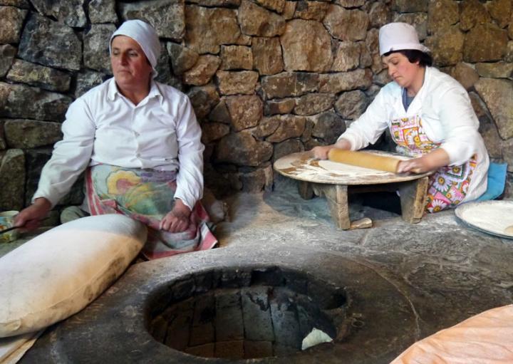 armenia-garni-lavash-bakery.jpg
