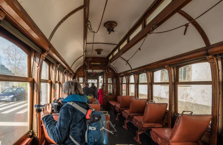 porto_historische_tram.jpg